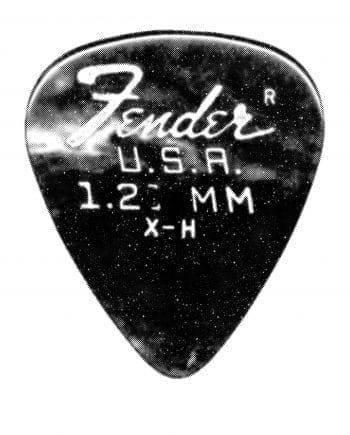 Plectrum medium Fender #02